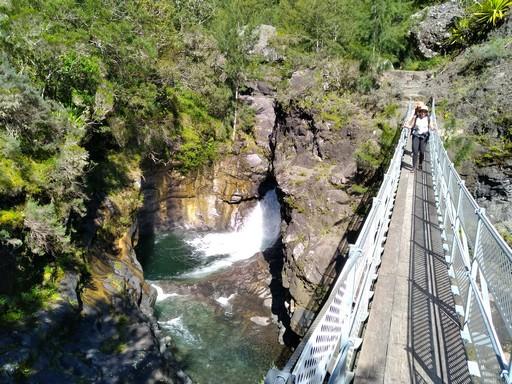 guide accompagnateur randonnée montagne volcan réunion