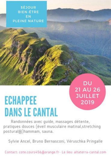 guide accompagnateur randonnée trek montagne volcan réunion cantal